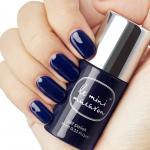 Hand och flaska, Midnight Blueberry