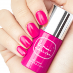Hand och flaska, Strawberry Pink